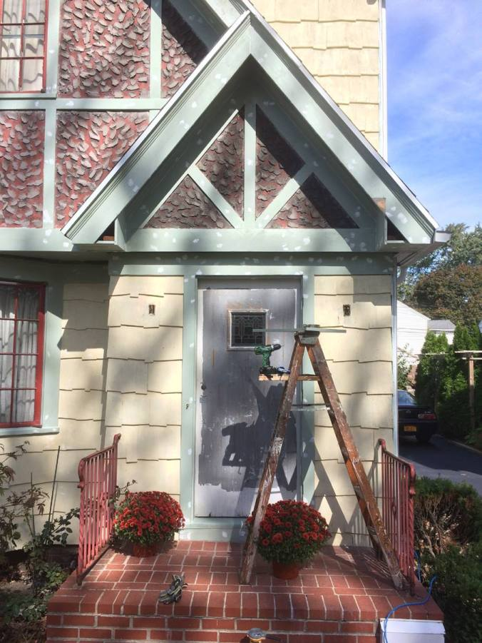 7 Entry gable before millwork restoration_October 2015